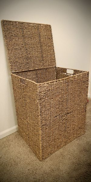 Extra large Wicker laundry basket/hamper for Sale in Portland, OR