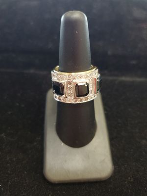 DIAMOND & BLACK STONES 18K 13.90g Yellow Gold Ring Size 7 1/2 for Sale in Phoenix, AZ