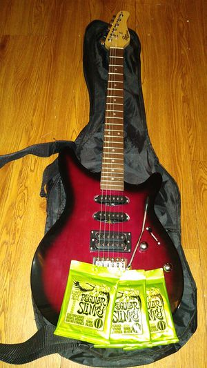 Rouge Rocketeer with amplifier for Sale in Sevierville, TN