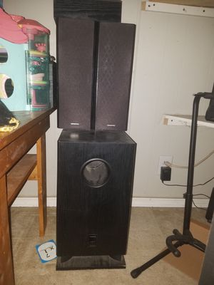 Onkyo surround sound receiver and 8 speakers $75 for Sale in Fenton, MO