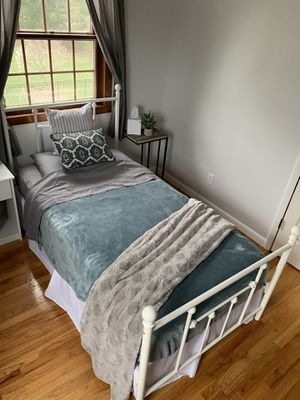 Wrought Iron Metal Bed Frame, White, Used, Good Condition - Local Pick Up Only for Sale in Schenectady, NY
