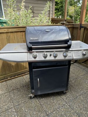 Charmglow 4 burner with side burner propane grill for Sale in Snohomish, WA