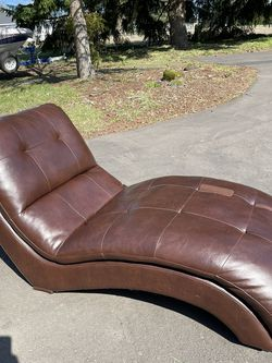 Lounge Leather Chair for Sale in Tualatin,  OR