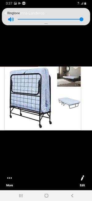 Llama para adulto que se dobla un colchón más grueso que los de las normales for Sale in Baldwin Park, CA