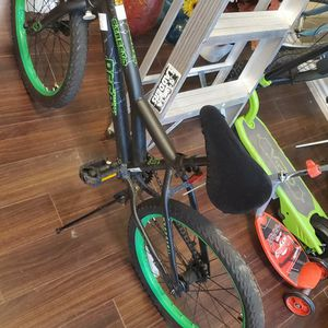 bmx 20 in bike, like new for Sale in Plano, TX