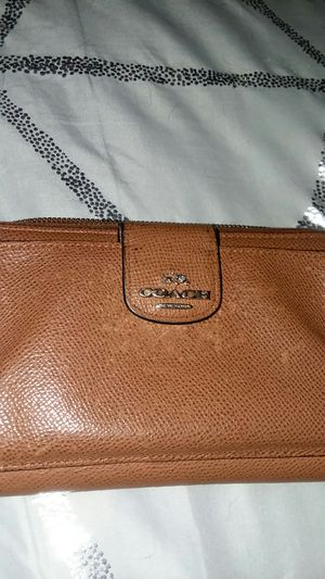 Authentic wristlet coach wallet for Sale in Obetz, OH