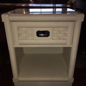 White one drawer wicker style nightstand for Sale in Auburn, WA