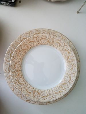 24 piece 6 person ChrisMadden for JCP dish set! ONLY used for tablescape decor! for Sale in Manassas, VA