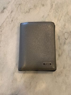 Small Gently Used Leather Tumi Wallet (Gray) for Sale in San Juan Capistrano, CA