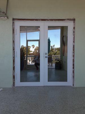 72x80 standard door for Sale in Hialeah, FL