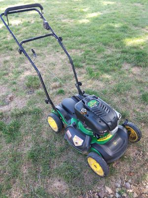 John Deere PUSH lawnmower no bag $90 for Sale in Brunswick, OH