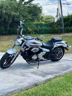 2010 Yamaha V-Star 950 for Sale in Pompano Beach, FL
