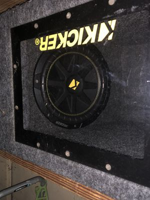 "2 10"" Kicker Subwoofers w/ Pioneer amp and subwoofer box for Sale in Benicia, CA"