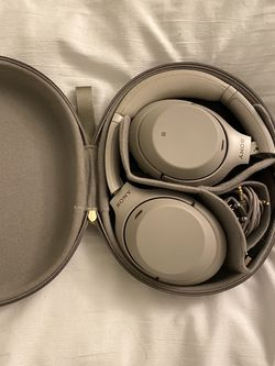 Sony WH-1000XM4 Wireless over the head headphones for Sale in Fairfax,  VA