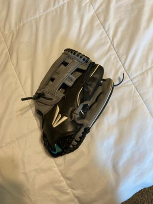 Softball glove for Sale in San Antonio, TX