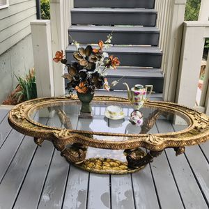 Mid Century Antique French Style Beautiful Gold Rustic Coffee Table for Sale in Flowery Branch, GA