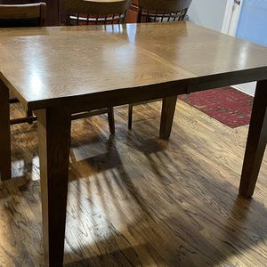Dining Table With 4 Chairs for Sale in Franklin, TN
