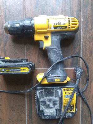 DeWalt 20 v drill with charge and one battery for Sale in Houston, TX