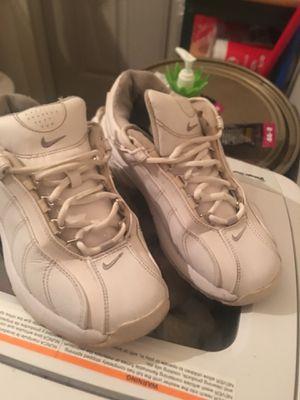 Size 7 women's Nike for Sale in Buffalo, NY