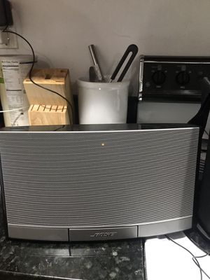BOSE RECHARGEABLE SPEAKER LIKE NEW for Sale in Silver Spring, MD