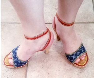 Louis Vuitton (Women's Sandal's / 100 % Authentic) for Sale in Lake Forest Park,  WA