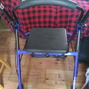 Adult Walker With Seat for Sale in Lantana, FL