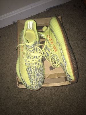 Yeezy 350 V2 Frozen yellow for Sale in Washington, DC