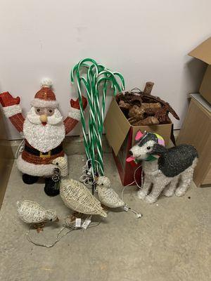 Free Christmas Decorations for Sale in Woodbridge, VA
