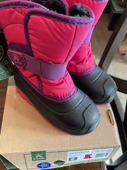 Toddler snow boots toddler size 9 brand New Kamik Snowbug3 for Sale in Thornton,  CO