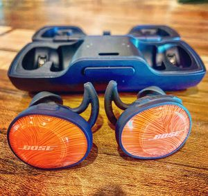 Bose SoundSport Wireless Earbud Headphones - Orange for Sale in Norfolk, VA