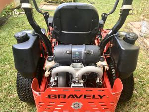 Gravely 52 commercial 29 hp efi for Sale in North Palm Beach, FL