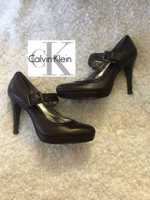Calvin Klein brown heels size 6 for Sale in Ontario, CA