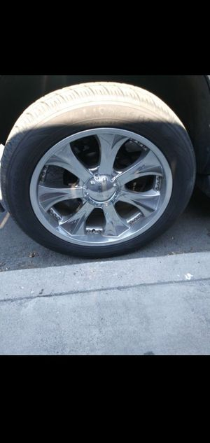 Chevy 22 inch rims no scratches for Sale in Colton, CA