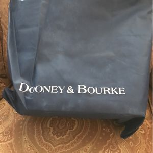 New Dooney & Bourke Leather Purse for Sale in Monroeville, PA