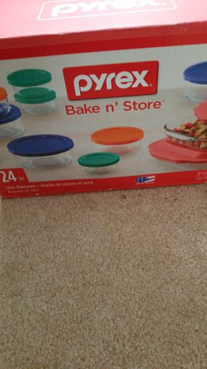 Pyrex bake n store for Sale in Austin, TX