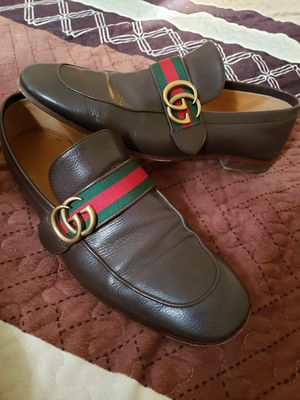 Gucci Leather loafer with GG Web for Sale in Los Angeles, CA