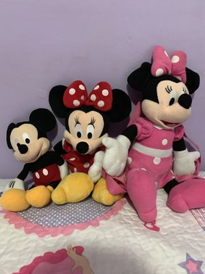 Toddler Minnie backpack plus 2 stuffed animals for Sale in Providence, RI