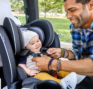4 in 1 Convertible Car Seat for Sale in Savannah, GA