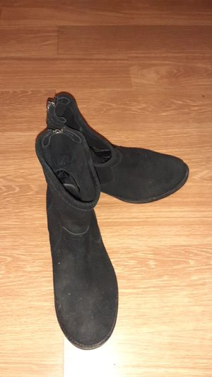 Black black boots size 6 and 1/2 for Sale in Ross, OH