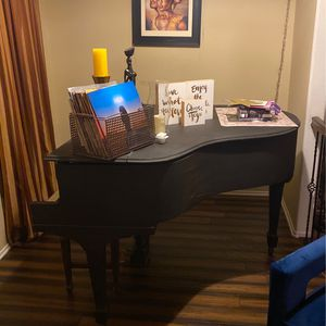 Baby Grand Piano for Sale in Temecula, CA