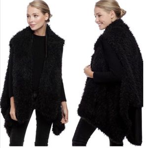 My Jessy Vegan Fur Vest NWT for Sale in Pompano Beach, FL