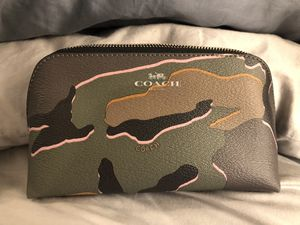 Coach Makeup Wallet- Brand New for Sale in Wilsonville, OR