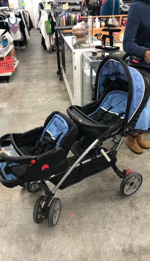 Double stroller for Sale in Collinsville, IL