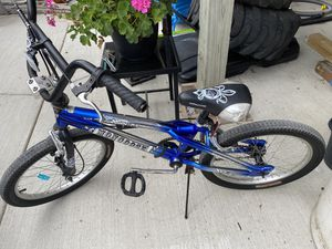 Mangoose boys BMX bike for Sale in Chicago, IL