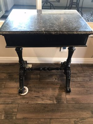 Accent table for Sale in Fullerton, CA