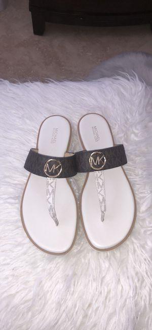 NEW Michael Kors Signature Logo Thong Sandal for Sale in Miami, FL