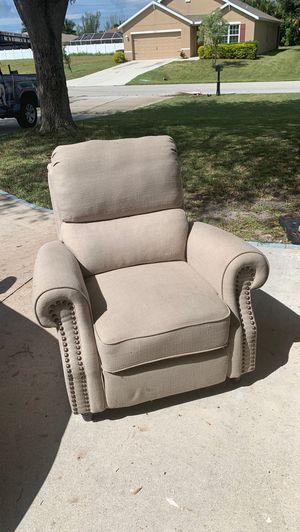 Free recliner for Sale in Cape Coral, FL