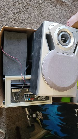 4 speakers and a amp for pc for Sale in Eagar, AZ