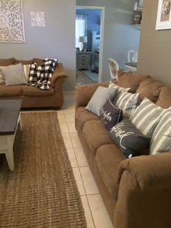 Living room Set (sofa and Loveseat) for Sale in Orlando,  FL