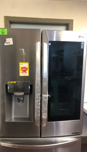 LG French Door Refrigerator 50OV for Sale in Chino, CA